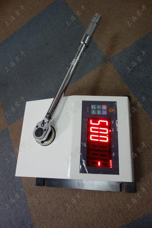 特殊定制的力矩扳手测试设备