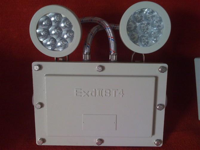 "BCJ-LED防爆应急灯技术参数: 执行标准:GB 3836.1-2000、GB 3836.2-2000、 GB 3836.3-2000、IEC60079 防爆标志:Exd II BT4、Exde II CT4、Exde II BT6 额定电压:AC220V/50Hz 防护等级:IP54 IP65 防腐等级:WF1 引入口规格:G3/4"" 电缆规格:9mm~14mm 带应急功能参数: 应急电压:DC6V 充电时间24h 应急起动时间0."